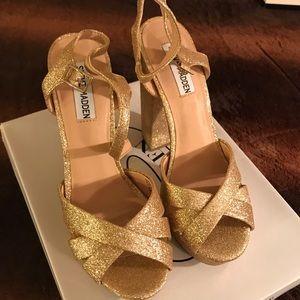 Steve Madden Gold Gleam Heels